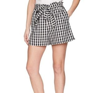 New• Cleantha High Waisted Shorts size Large